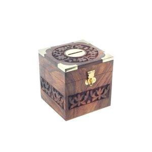 hucha de madera